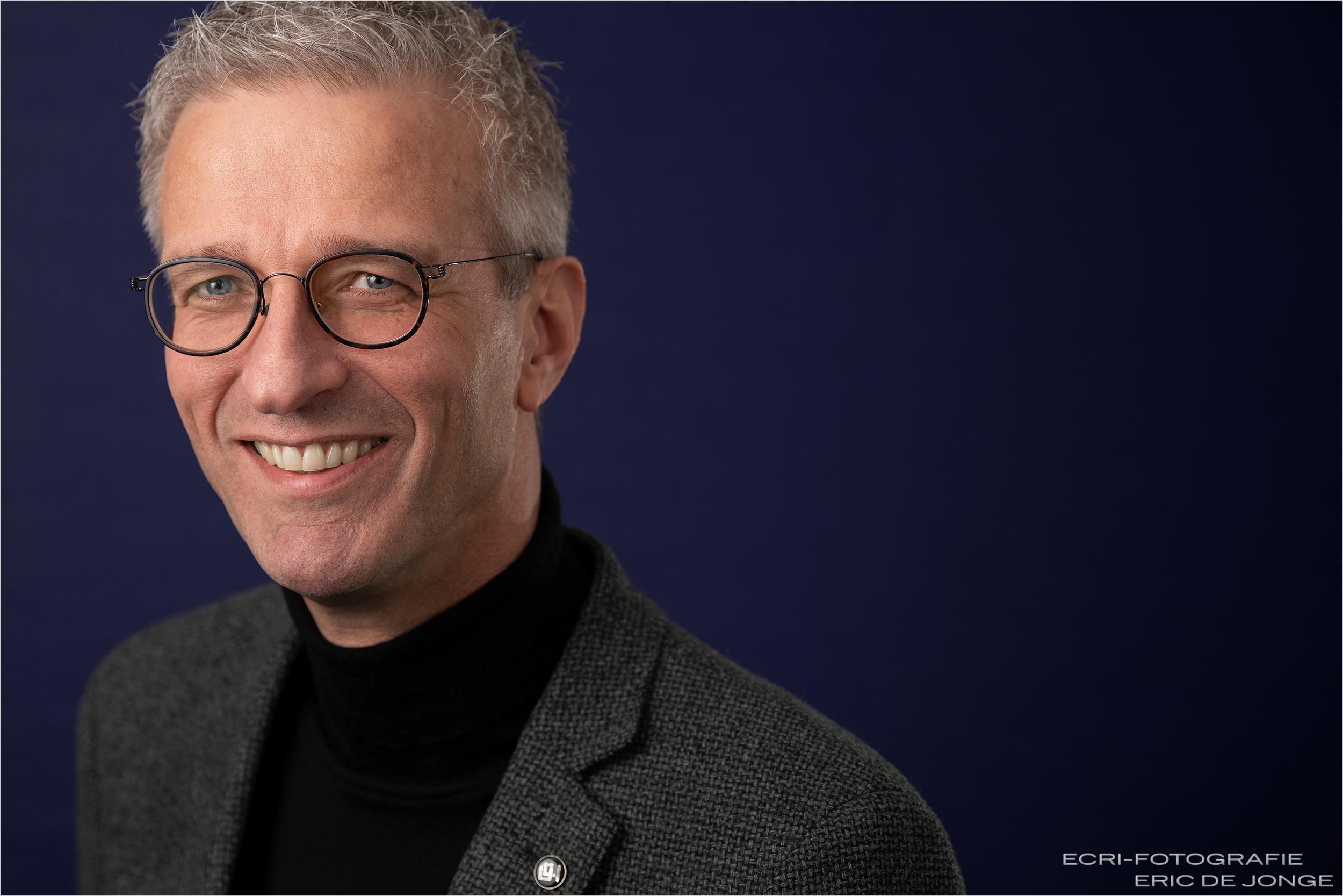 bedrijfsfotografie, ecri-fotografie.nl Brandsma Verzekeringe, Eric de Jonge, portretfotograaf, headshot